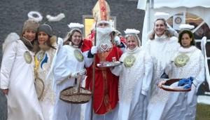 6 Engel mit Nikolaus
